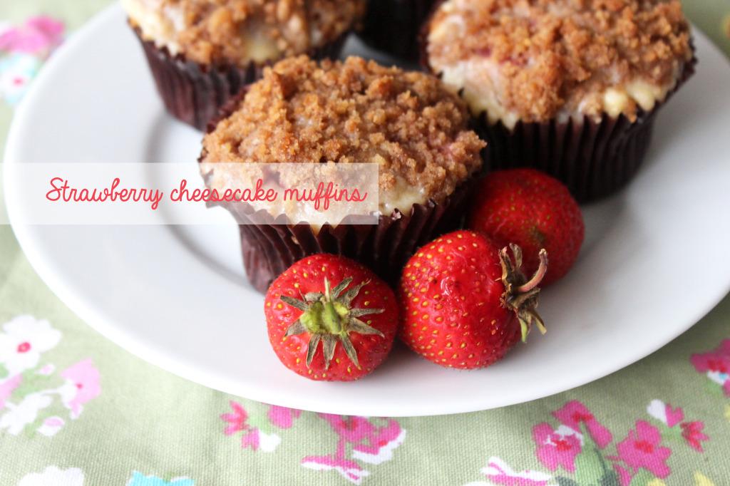 strawberry-cheesecake-muffin