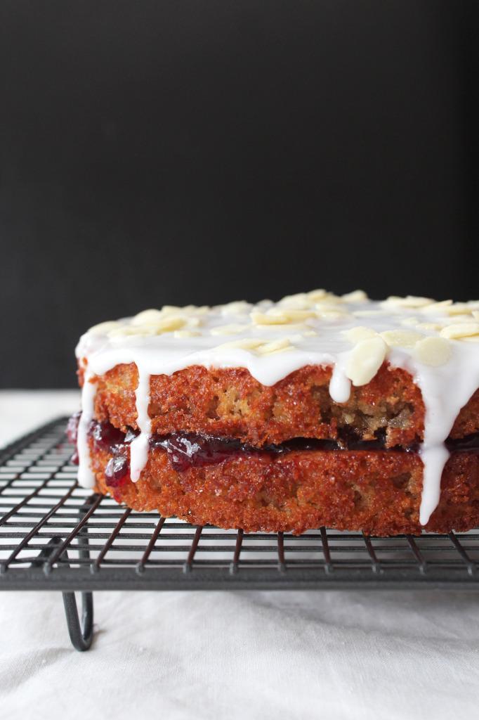 O-so-cherry-bakewell-cake2