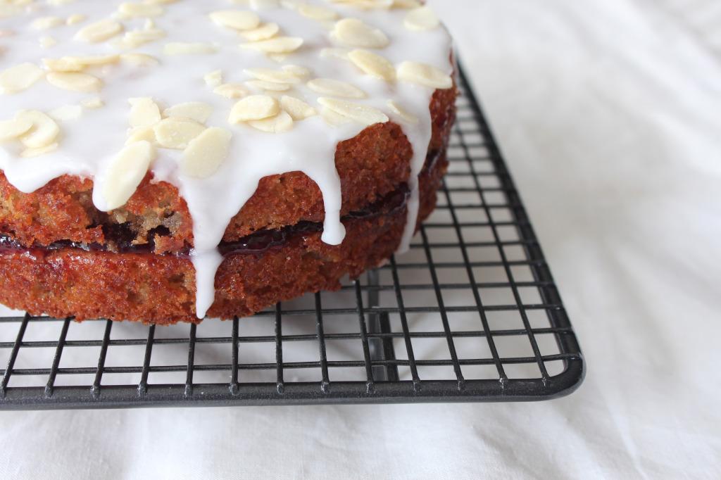 O-so-cherry-bakewell-cake4
