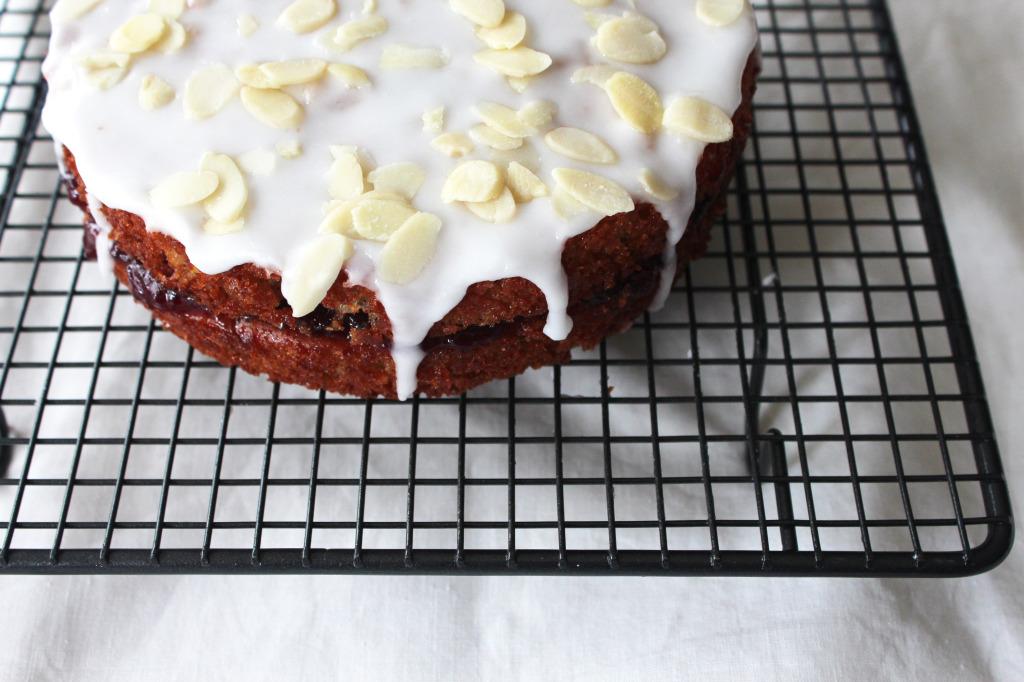 O-so-cherry-bakewell-cake5