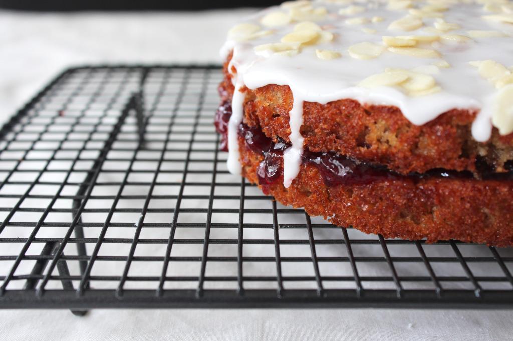 O-so-cherry-bakewell-cake6