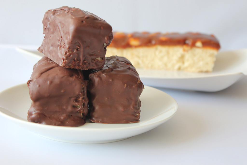 snickers-cake-bars4